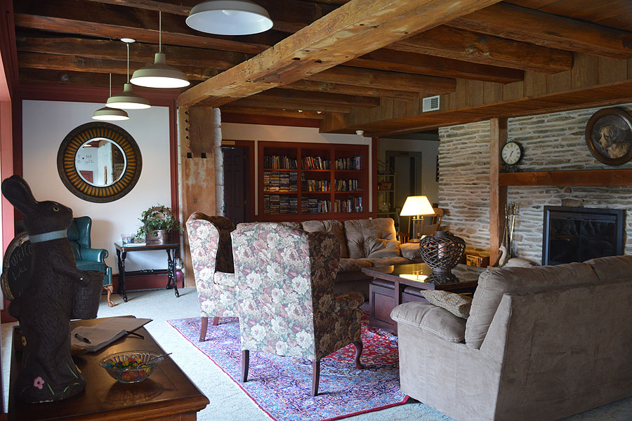 Canna Country Inn Interior Photo of Lower Level Family Room